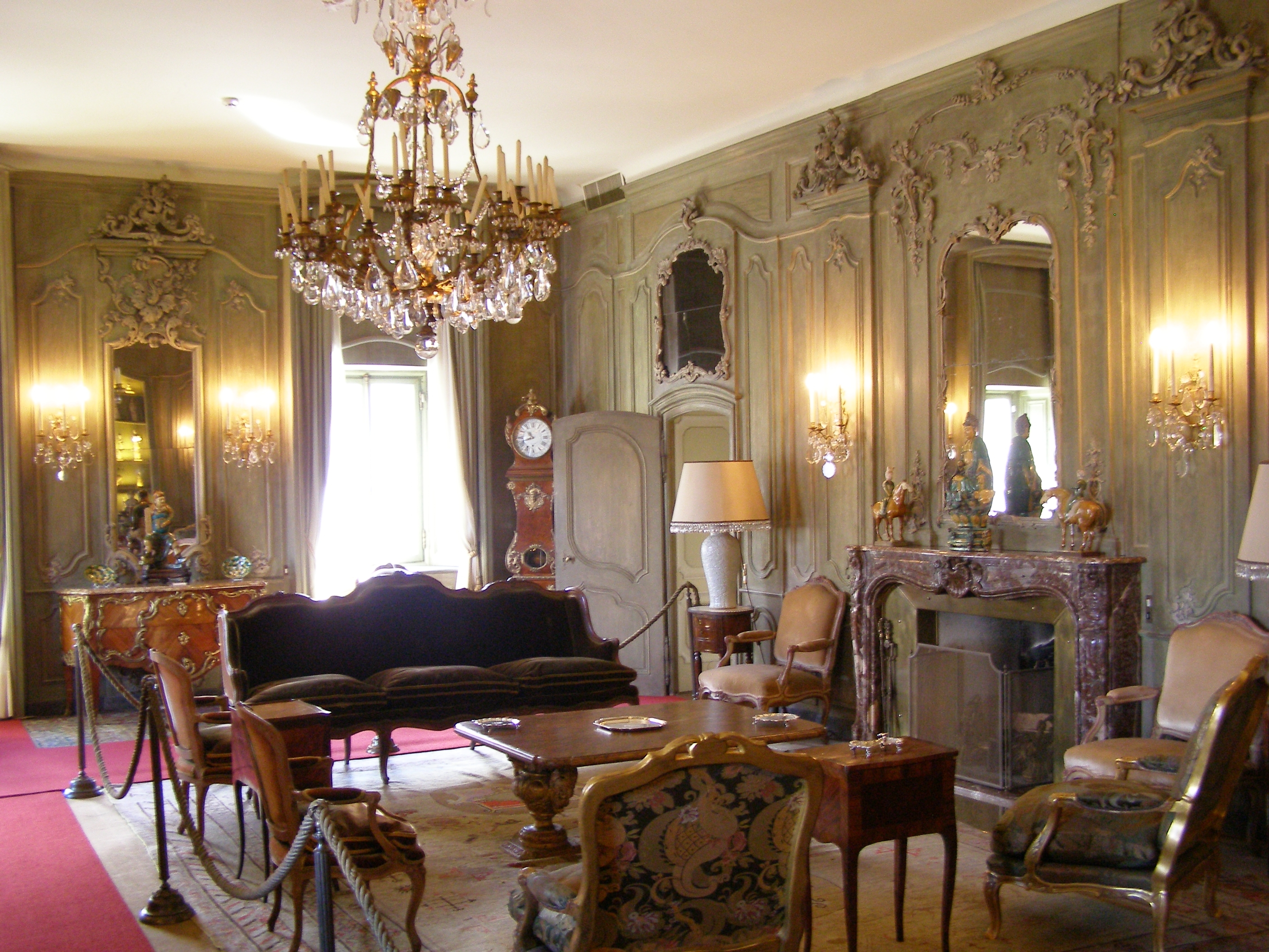 Thinking of a career in Interior Decoration?